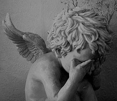 Risultati immagini per angeli piangono
